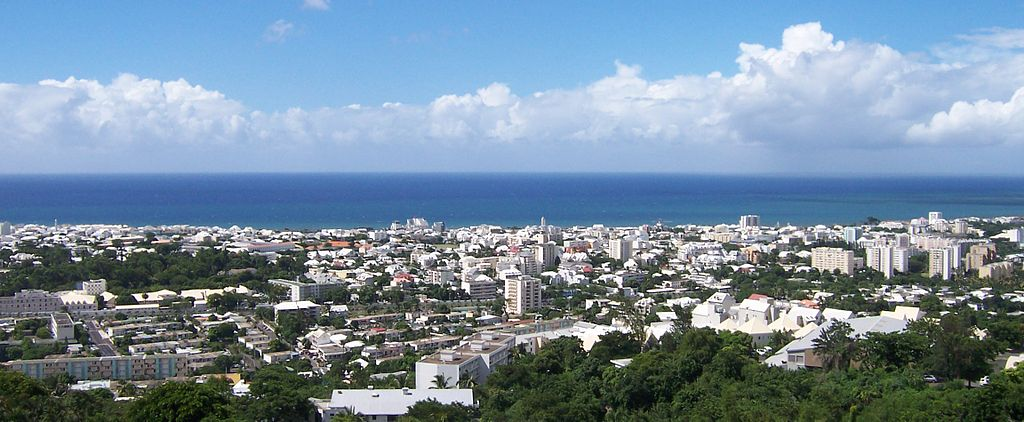 best ways to send money to Réunion compared